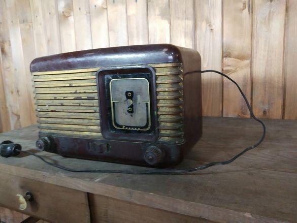 Старо лампово радио Пионер. Ретро класика
