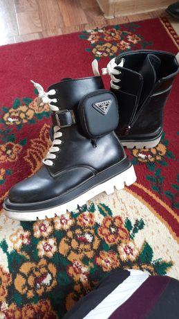 Продам подростковые ботинки демисезон