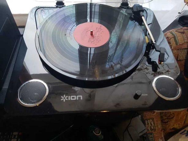 Виниловый проигрыватель Ion Max LP Black+30 пластинок!!