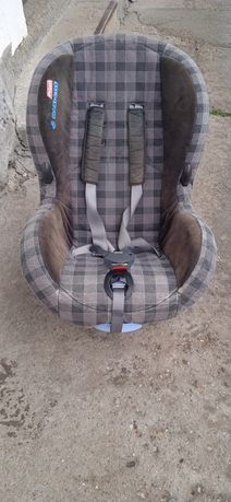 Două scaune auto până la 36 kg preț pe bucată