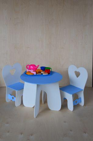 Стол и стулья. Кукольный стол.