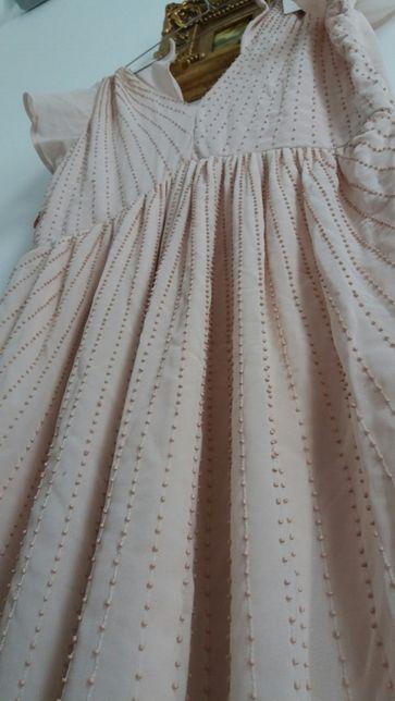 Rochie delicata cu margelute