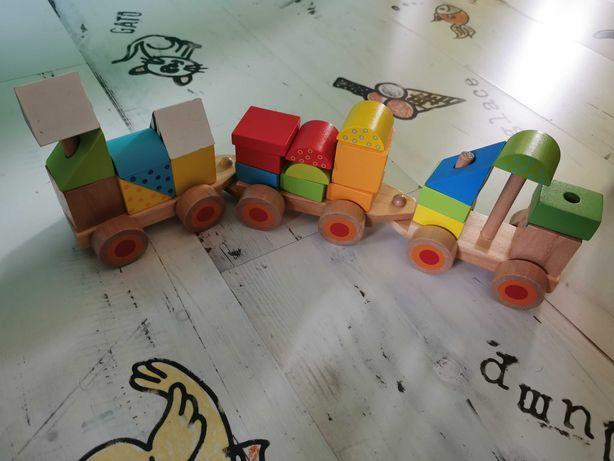 Trenuleț de lemn cu piese de construit