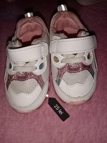 Papucei pentru fetita