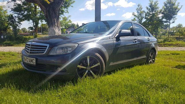 Mercedes c200     .