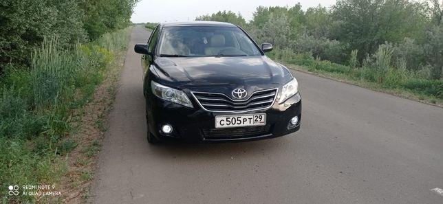 Продам автомобиль Toyota Camry