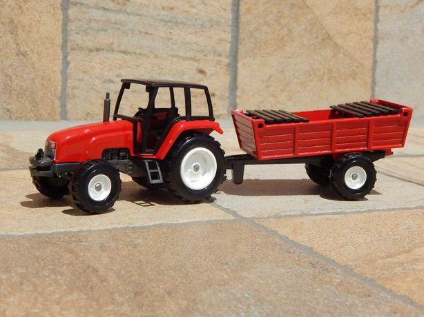 Macheta tractor agricol cu directie si remorca metalic Majorette 1:43