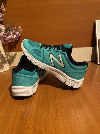 Adidasi new balance 40 originali in stare buna