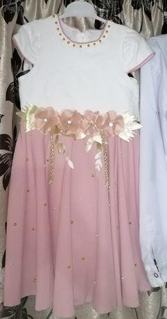 Vând rochițe de fete mar. 122