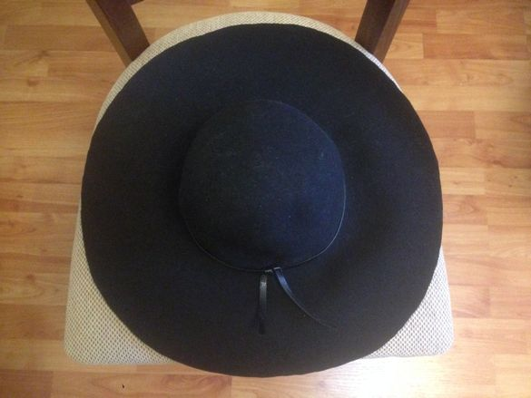 H&M черна елегантна шапка