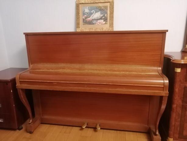 Продам фортепиано Geyer