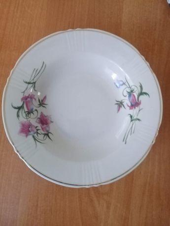 Продаем, набор суповых тарелок, селедочницу и набор для специй