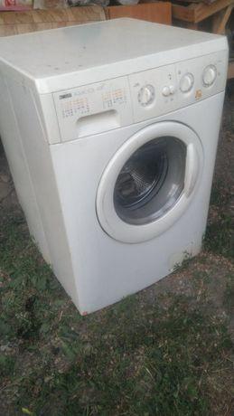 Продам стиралка не включается