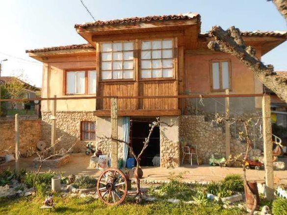 Продавам къща в село Димча