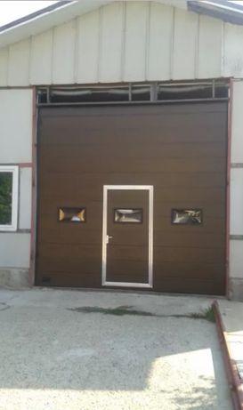 Ușă de garaj secţională rezidențială izolată 3750L/3200H maro