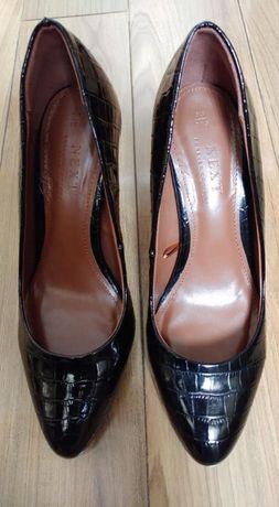 лачени обувки 39 номер