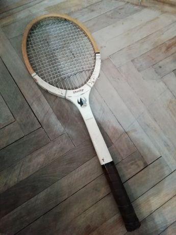 Vând rachetă tenis DUNLOP veche