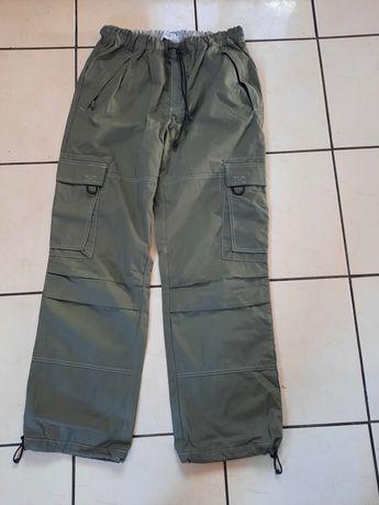 Vând pantaloni noi sport pt.bărbați
