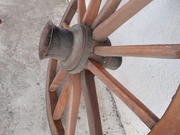 Vand roti originale din lemn