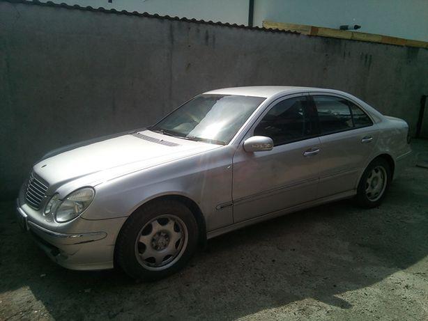 Se dezmembreaza Mercedes E-class E320CDI W211 din 2004