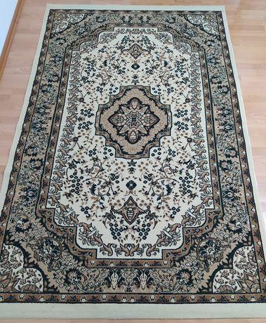 Продается ковёр в отличном состоянии.