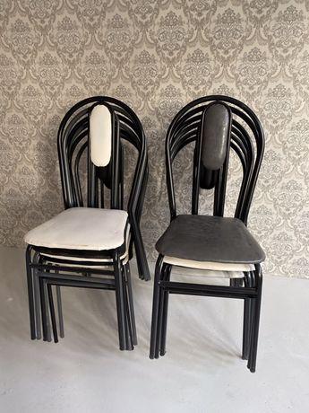 Продам стульев