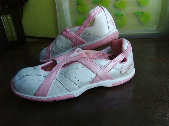 №35/36 NIKE-сандали,отворени ,летни обувки,балерини