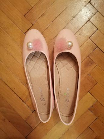 Vand balerini pentru fete