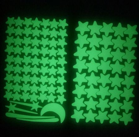 Светещи стикери звезди , луна , звездички 106 части детска стая декор