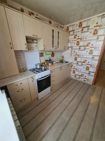 Продам 2 комнатную квартиру ленинградка в 20 мкр, ТЦ Ситимолла