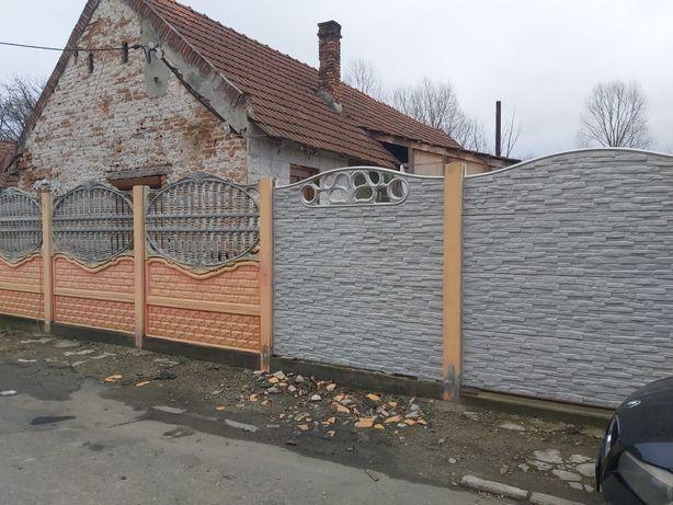 Garduri din beton și porti metalice