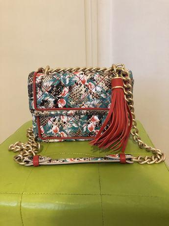 Чанта Guess Luxe