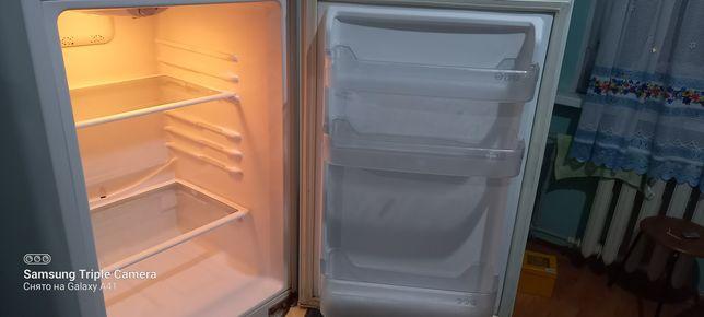 """Продам Холодильник """"LG Expresscool"""" в рабочем состоянии. Торг уместен."""