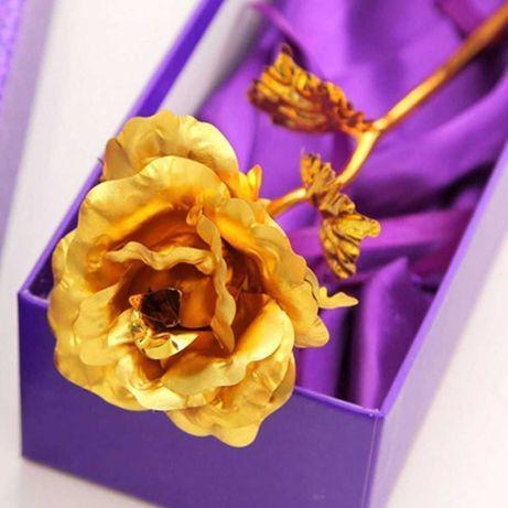 Златна роза  - оригинален  подарък за любим човек
