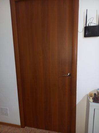 ДВЕРИ для туалета и ванной, в отличном состоянии