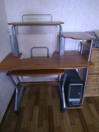 Продам письменный стол 20.000 тенге