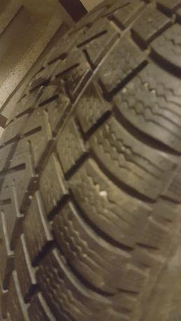 Продавам спешно имни гуми Мишелин Алпин 235/55/19 отлични 70 лв лвв