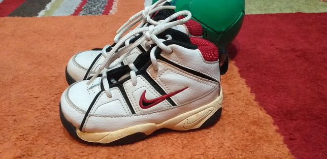 Adidași Nike nr.23,5 cm.13