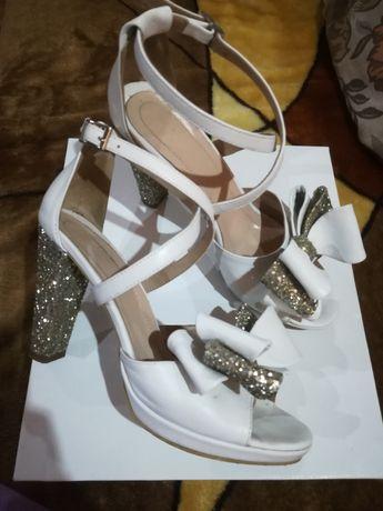 Sandale mireasa din piele naturala