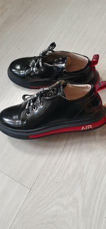 Качественная обувь ботинки для школы для девочки
