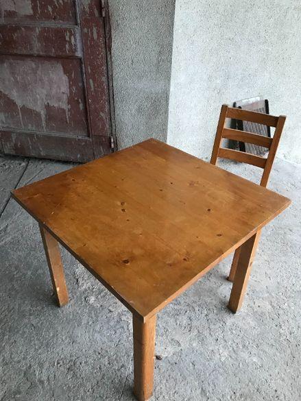 110 стола и 20 маси за заведение