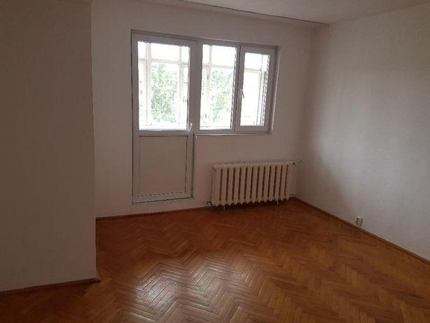 vand apartament 3 camere piata Rogerius