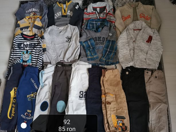 Vând haine băieți