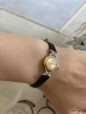 Золотые часы Яшма