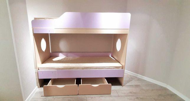 Двухярусная кровать с ящиками