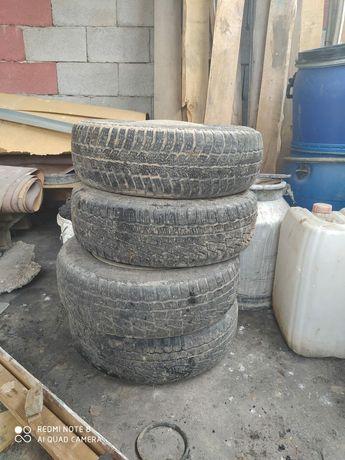 Продам все сезонные шины с дисками r13 , 70, 175 4шт
