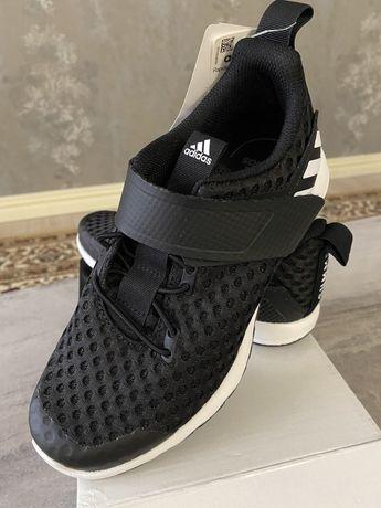 Продам кроссовки Adidas оригинал(новые) 34размеры