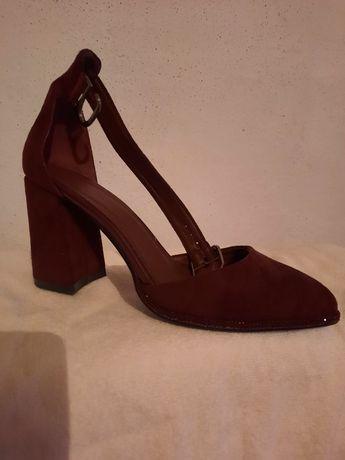 Женские очень красивые туфли