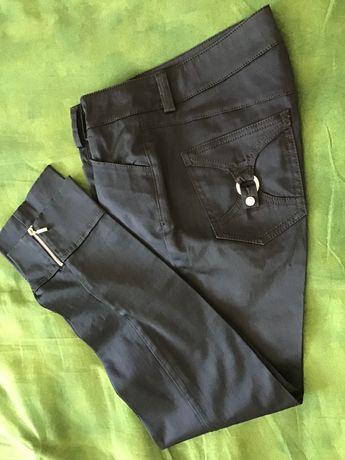 ТRUSSARDI JEANS Италия . Женские  брюки цвета Размер 40-42 .