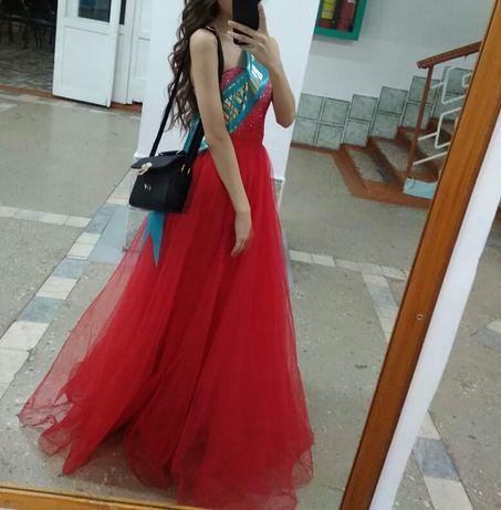Платье бальное. Недорого.